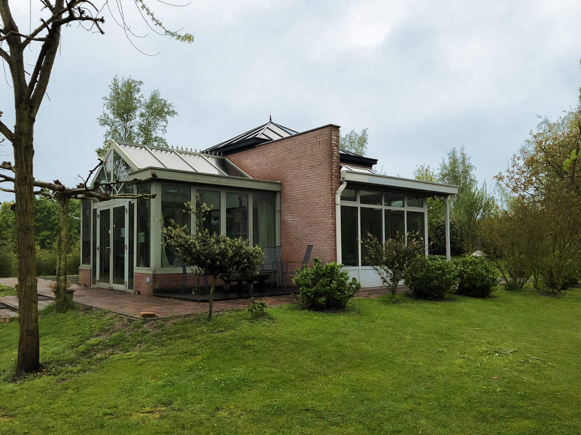 glass house jardin airbnb holland tourisme