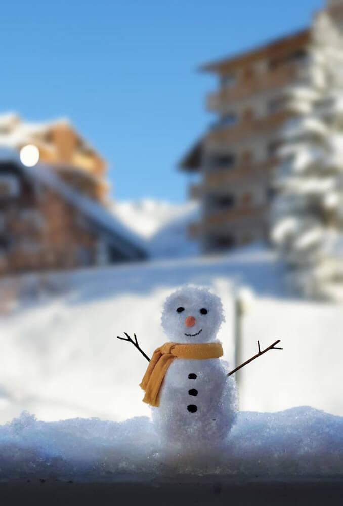 bonhomme de neige alpe huez station ski