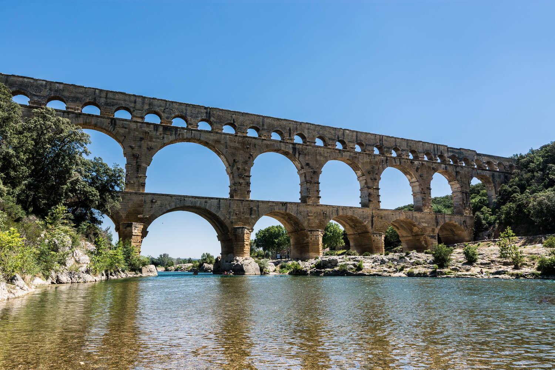 pont gard monument historique patrimoine unesco